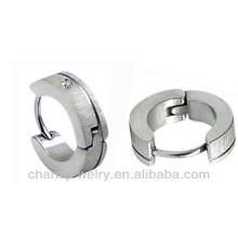 Boucle d'oreille en acier inoxydable 316L en acier inoxydable avec boucle d'oreille Huggie HE-009