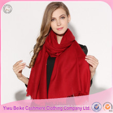 Chine 2017 hiver femmes nouvellement pure couleur rouge solide style tricot châles en laine
