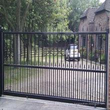 Venta caliente Inspección de alta calidad Durabilidad a largo plazo Diseños personalizados de la puerta de hierro Desgin moderna