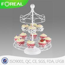 Carrossel de pó branco revestimento Cupcake Stand