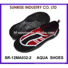 SR-12MA032 Los zapatos surfing del nuevo diseño popular de los hombres venden al por mayor los zapatos del agua de los zapatos del agua los zapatos de la playa de los zapatos del agua para el agua