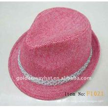 Chapeau de feutrine à la mode pour femmes