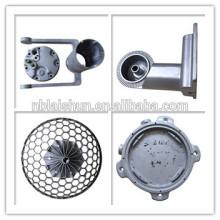 Алюминиевое литье под давлением и закаленное стекло Материал корпуса лампы и садовые светильники