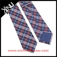 Corbata de seda italiana hecha a mano de la urdimbre doble azul marino