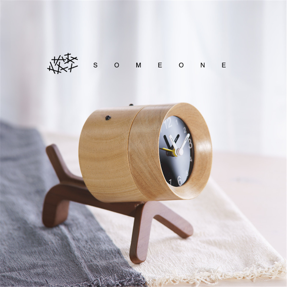 creative solid wooden clock decoration