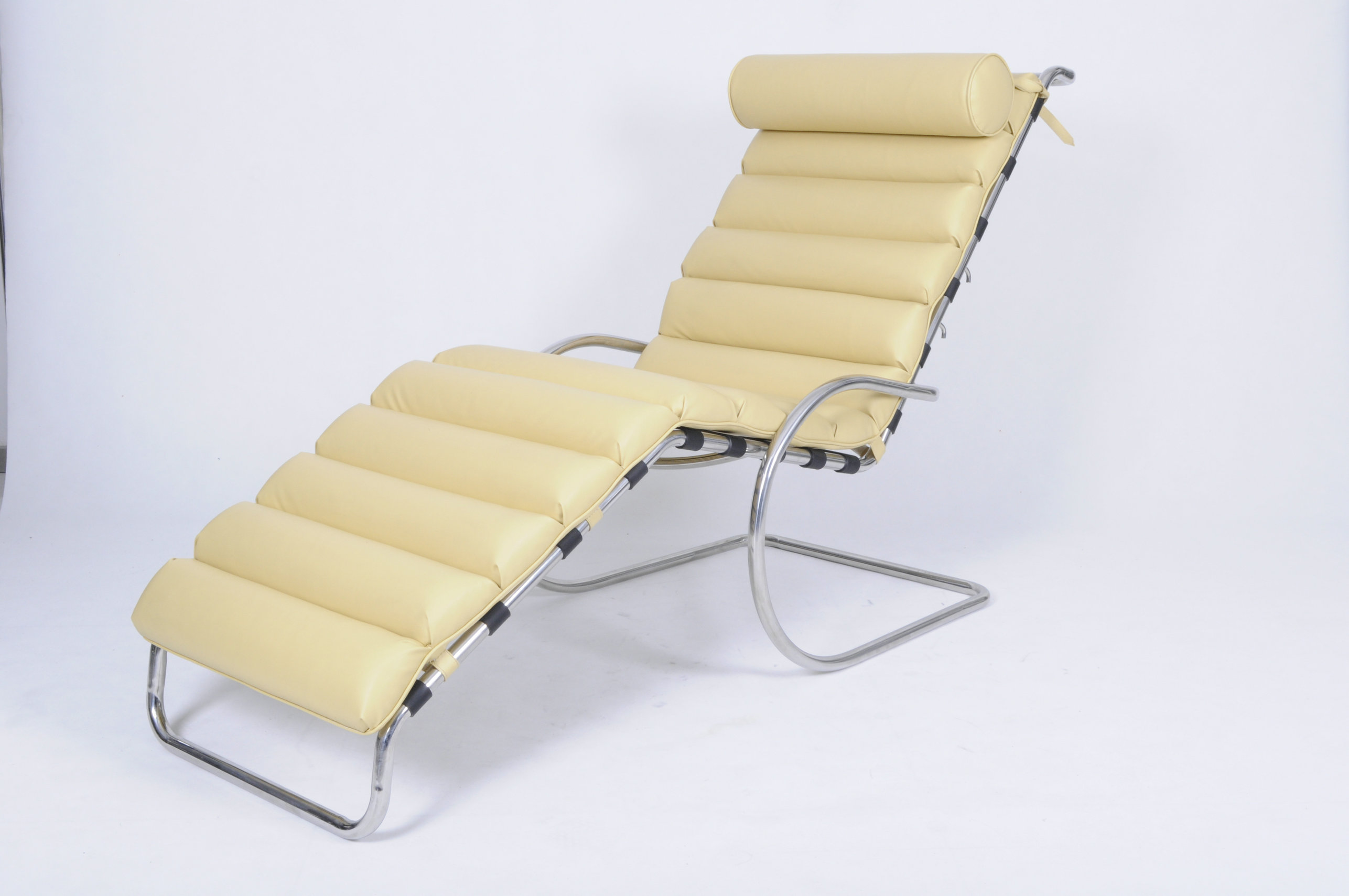 MR Adjustable chaise lounge chair