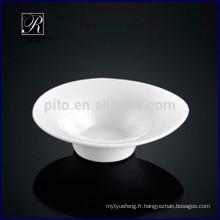 Plat à la soucoupe à la forme de la goutte en porcelaine pour goûter au buffet