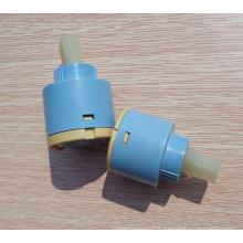 robinet d'eau chaude et froide en plastique en céramique cartouche 45mm