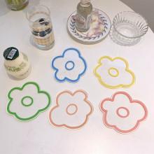Sous-verres en forme de fleur en acrylique