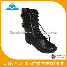 Senhora gaga sapatos