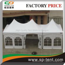 Brautvorbereitung gespannte Zelte 10x30ft in einer Reihe bestehend aus einem 3x6m und einem 3x3m Zelte