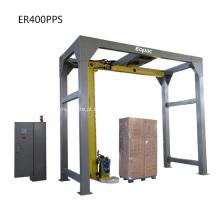 Máquina embaladora de filme extensível com braço rotativo