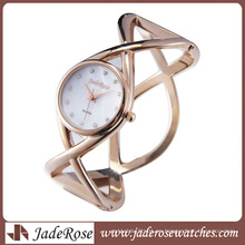 Reloj de pulsera especial de estilo nuevo reloj de banda