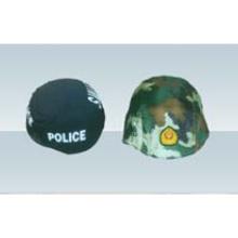 Conjunto de capacete da polícia militar ao ar livre
