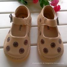Aprikosen-Tupfen quietschende Schuhe Baby-Schuhe