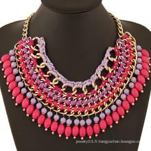 Collier en perles africaines à la main