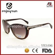 Дамы стиль Италия дизайн ce мода солнцезащитные очки с металлическим баром украшенный храм
