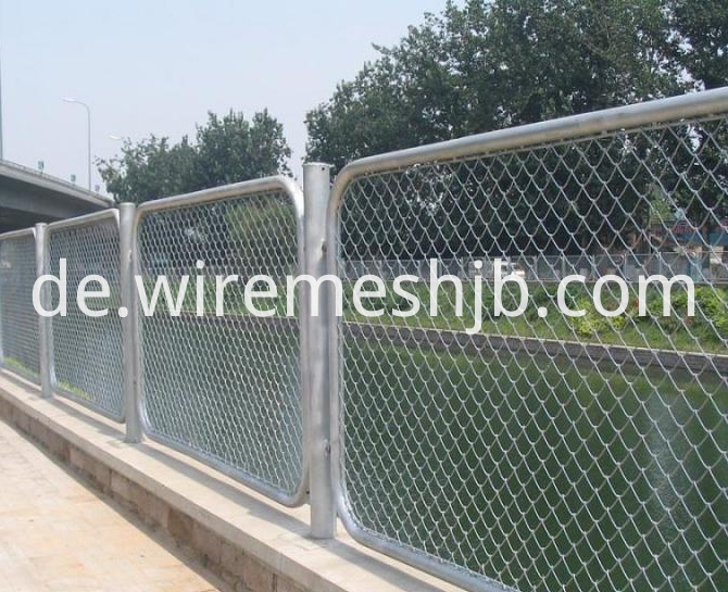 Chain Link Fence5