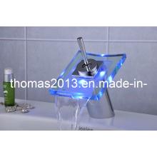 Robinet de lavabo LED de puissance de batterie (QH0801F)