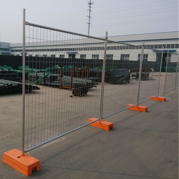 temporary safety fence 11