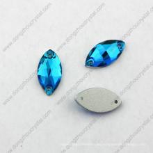 La moda decorativa tallada al por mayor de China cose en el diamante artificial para el traje