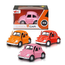 1: 38 Lovely Pull Back Die Cast Auto con luz (10251035)