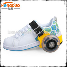 Sapatos de skate com roletes retrácteis para brinquedos para crianças