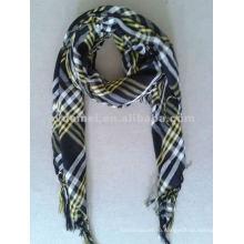 Покрытый пряжами полиэфирный пейсли квадратный шарф