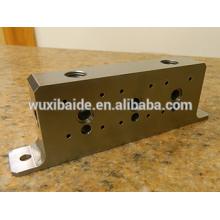 Cnc Aluminium Cube With Centered Screw Thread Passage for Furniture/small aluminum cnc machining part fabrication service