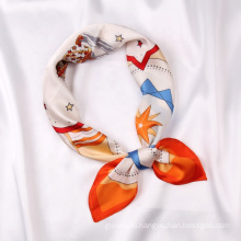 Wholesale Designer Head Scarfs Styles Silk Bandana Fashion Ladies Horse Pattern Elegant Scarf