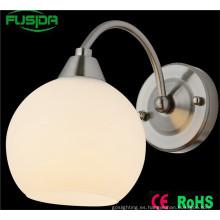 Fábrica de color directo Blanco Dormitorio de la lámpara de pared y luz de pared para la decoración