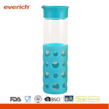 Venta al por mayor 550ml Borosilicate botella de vidrio azul con nueva manga de silicona