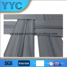 Cremallera de nylon de cadena larga de varios colores de calidad general