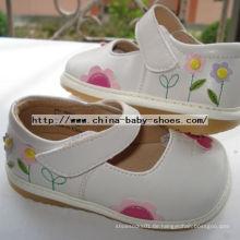 Kleine Blumen-Schmetterlings-Baby-Schuhe D123