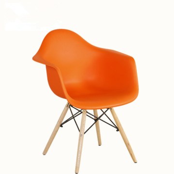 Colorful Wood Legs and PP seat plastic dining chair