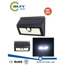 Luz LED para exteriores de pared solar