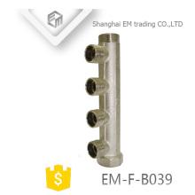 EM-F-B039 Tuyau collecteur à 4 voies en laiton nickelé