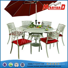 Projetos da tabela de jantar do guarda-chuva do jardim
