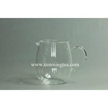 freely designed logo on the glass teaware