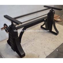 Industrielle Metall-Kurbel-Tisch-Basis Natürliche Metall-Finish