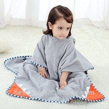 Serviette à capuche en bambou de haute qualité Gardez votre bébé au chaud et au sec Serviette à capuche en mousseline très confortable - Monster