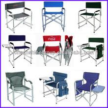 Кресло директора с стороне чайным столиком и съемного журнал сумка
