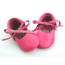 Zapatos de vestir de las muchachas bastante rosadas zapatos de ballet de cuero al aire libre del bebé
