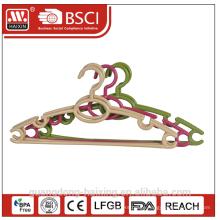 New design plastic clothes hanger