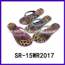 Las sandalias ocasionales de las mujeres de los deslizadores de la señora de PCU venden al por mayor los deslizadores de señora del fasion