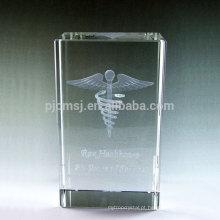 Venda quente lembrança de vidro blocos / cubos de cristal 3d gravado a laser