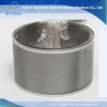 Rouleau de treillis métallique perforé