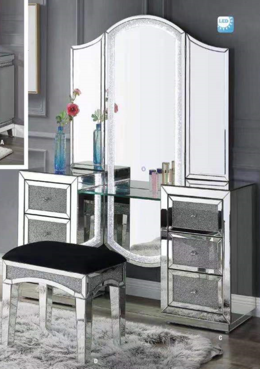 Independent dressing table with matching stool