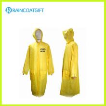 Der lange gelbe PVC-Regenmantel der Männer