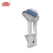Elevador de cangilones utilizado en equipos de procesamiento de alimentos para aves de corral